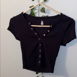 Button down black cropped tee